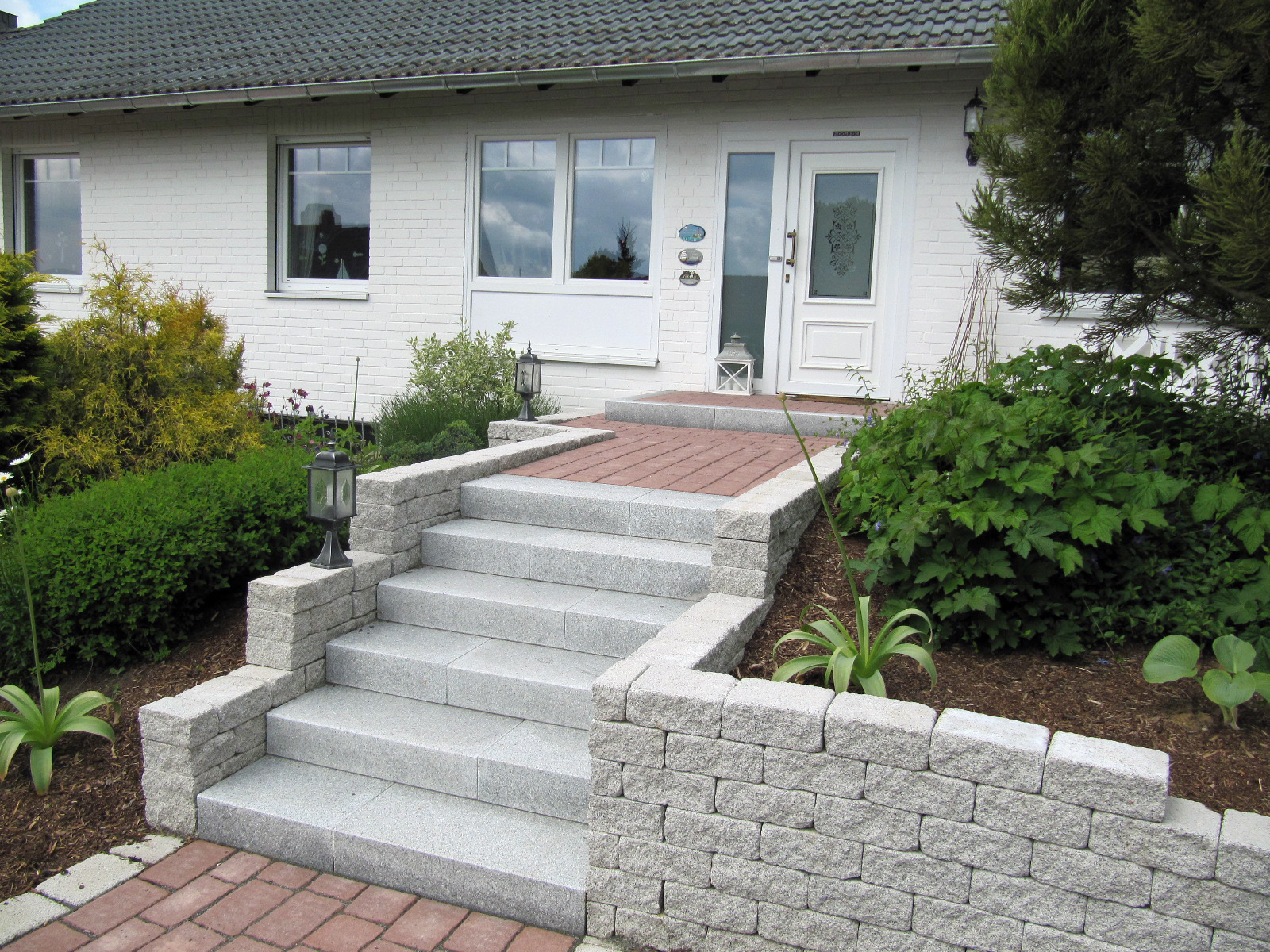 wundersch nen treppe blockstufen haus design ideen. Black Bedroom Furniture Sets. Home Design Ideas